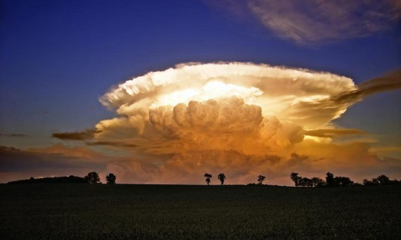 Anvil_Clouds_1