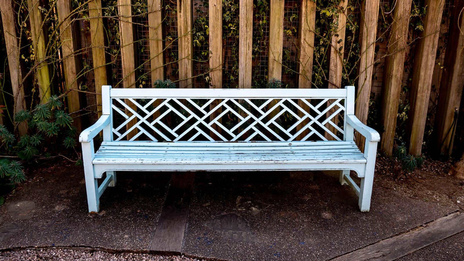 フラリエのベンチ