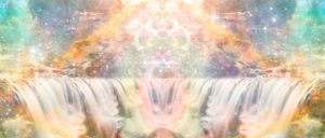 まるで夢の中や天国のような神々しいデジタルトリップアート